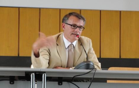 Der neue Vizepräsident der FU, Klaus Beck, während der Sitzung des Erweiterten Akademischen Senats. Foto: Florian Schmidt