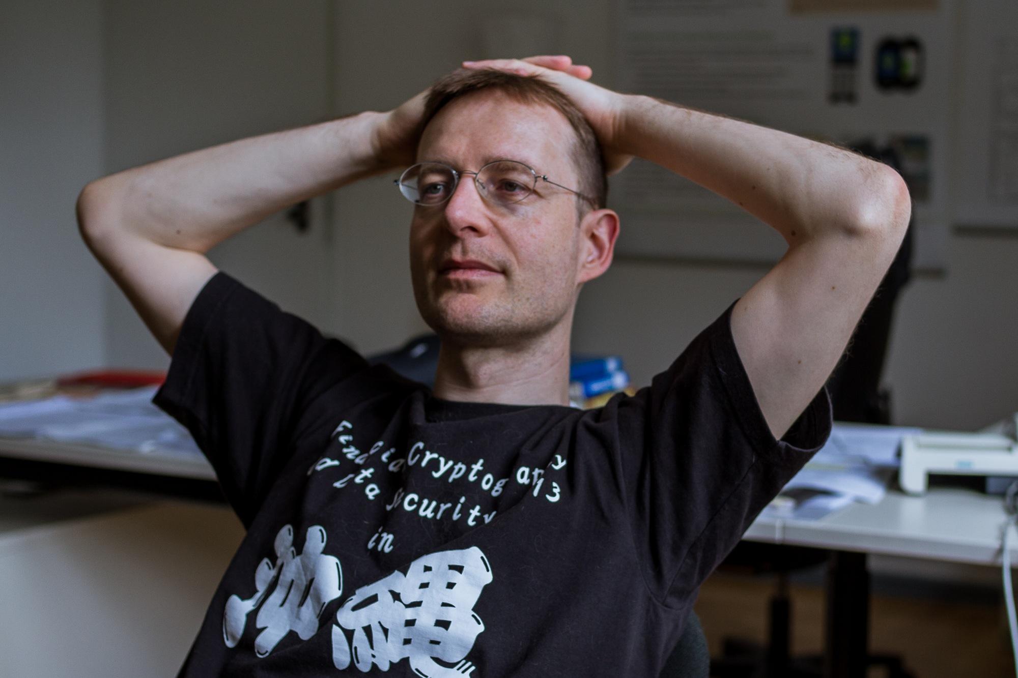 """Könnte """"Whistleblowern"""" in Zukunft die Arbeit erleichtern: FU-Professor Volker Roth. Foto: Christoph Spiegel"""