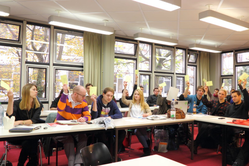 Das Studierendenparlament bei einer Sitzung im Oktober 2014. Foto: Daniel Krause