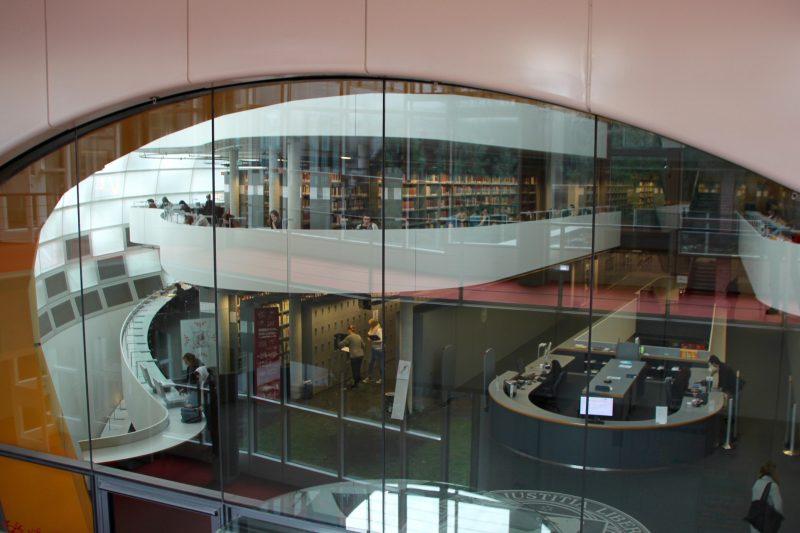 Die Philologische Bibliothek beglückt täglich Studentenherzen. Foto: Anke Schlieker