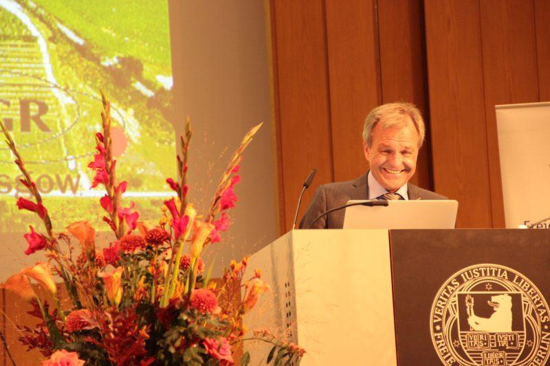 Karsten Danzmann ist seit 2002 Direktor des Max-Planck-Instituts für Gravitationsphysik. Foto: Eva Famulla