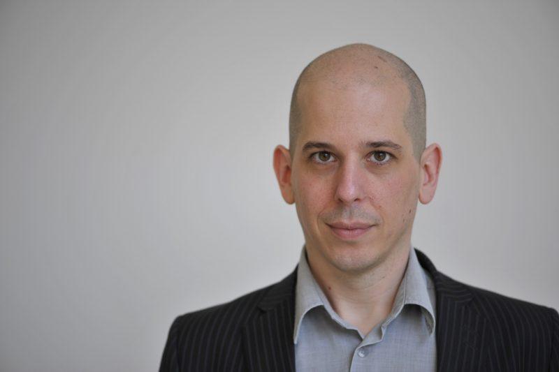 Anatol Stefanowitsch ist Professor am Institut für Englische Philologie. Foto: Bernd Wannenmacher/FU Berlin